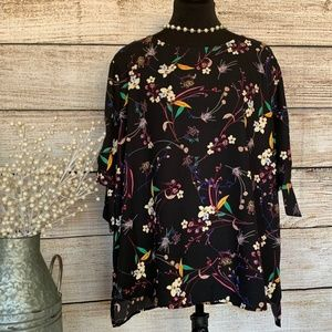 Floral Blouse w/ 3/4 sleeves and tie detail